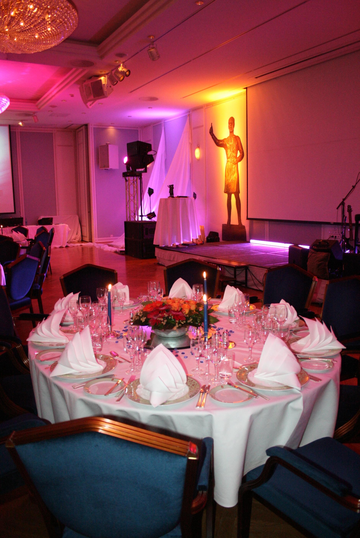 Bordet er dekket og Farmandprisen er klar for fest